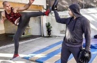 Throwing a fake fight 5